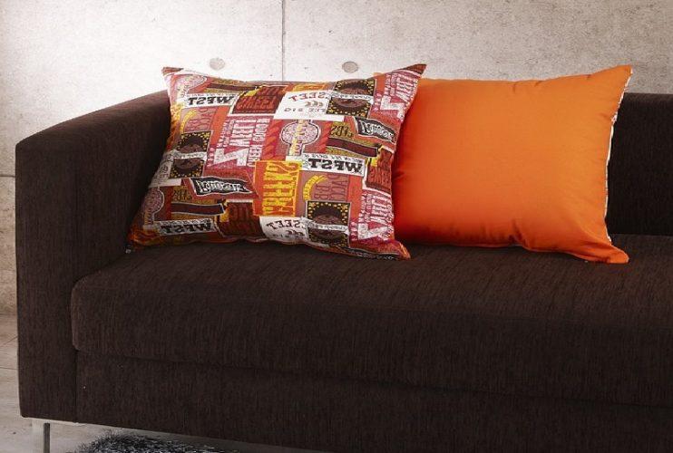 Oranžová vypadá v interiéru stylově