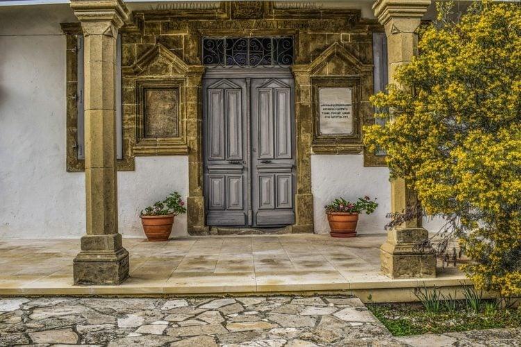 Vstup do domu či bytu ovlivňuje náš život