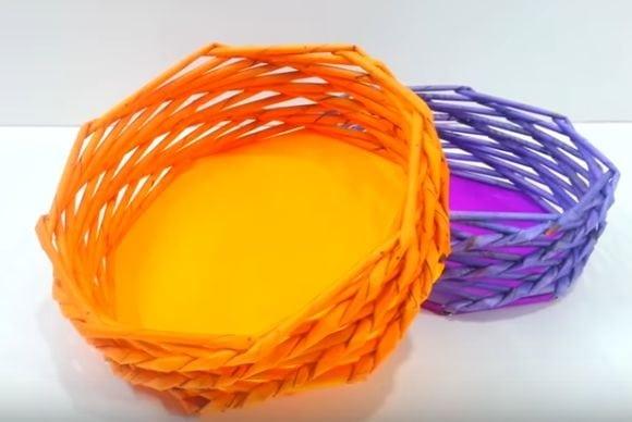 Jak na pletení z papíru? Vyrobte si koš z papíru