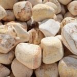 Okrasné kameny se hodí pro dům i zahradu
