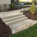 Zahradní schody vyřeší nerovný terén